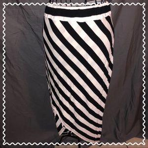 A-Symmetrical beautiful maxi skirt